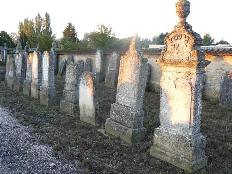 Le cimetière juif de Delme